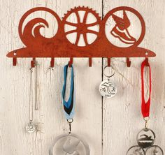 Love this idea for hanging medals! Ironman Triathlon, Triathlon Training, Hanging Medals, Race Medal Displays, Medal Rack, Triathlon Motivation, Custom Trophies, Award Display, Medal Holders