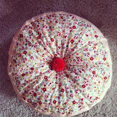 The Craft Bureau: Pom Pom Cushion