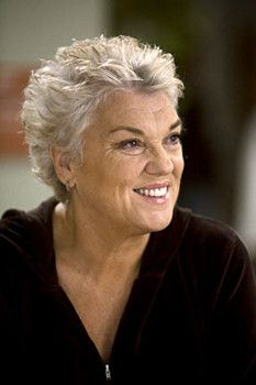 Tyne Daly, Actress Love her! Short Grey Hair, Short Hair With Layers, Short Hair Cuts For Women, Super Short Hair, Mom Hairstyles, Older Women Hairstyles, Tyne Daly, Haircut For Older Women, Silver Hair