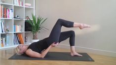 yoga for hair growth ; yoga poses for hair growth ; yoga for hair ; yoga for hair loss Le Pilates, Pilates Video, Pilates Workout, Gym Workouts, Sexy Make-up, Yoga Hair, Endurance Workout, Fitness Gifts, Pause