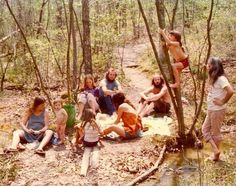 Rare and Unseen Color Photographs of America's Hippie Communes from the 1970s
