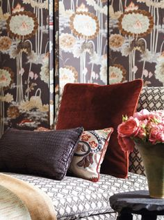Cowtan & Tout: I love the velvet cushion, the mix of prints, and the screen!