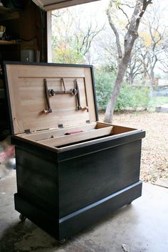 """Of all the photographs of tool chests that have landed in my inbox since the summer, this one is my favorite so far. Not because it's a fairly faithful version of the chest I built from """"The Anarch… Woodworking Desk Plans, Woodworking Tools For Sale, Woodworking Joints, Woodworking Projects, Welding Projects, Tool Box On Wheels, Old Tool Boxes, Wooden Tool Boxes, Wood Boxes"""