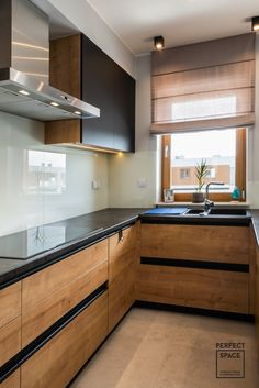 Basics of Modern Kitchen Design and Remodel - Uncinetto Kitchen Room Design, Kitchen Cabinet Design, Modern Kitchen Design, Home Decor Kitchen, Interior Design Kitchen, Home Kitchens, Interior Livingroom, Interior Modern, Modern Kitchen Interiors