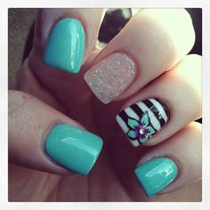 Check out these Cute floral nail designs, simple flower nail designs, flower nail art designs to inspire you towards fashionable nails like you never imagined before. Get Nails, Fancy Nails, Pretty Nails, Gorgeous Nails, Summer Acrylic Nails, Summer Nails, Spring Nails, Nail Polish Designs, Nail Art Designs