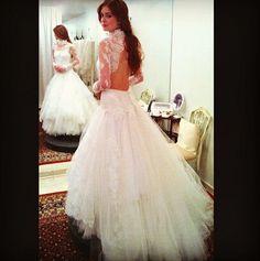 Lethicia Bronstein revela vestido de noiva de Marina Ruy Barbosa na novela