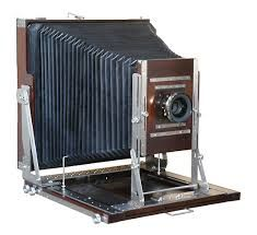 This is a Large Format Camera, that would be really fun to make, with all the zig-zag textures Kinds Of Camera, Types Of Cameras, Antique Cameras, Vintage Cameras, Photography Camera, Vintage Photography, Classic Camera, Camera Gear, Photography Equipment