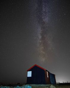 This one's more like it. (Sony a6000samyang 12mm 20s@F2@ISO1600  edited in capture one pro) //// #sonya6000 #sonyimages #samyang #12mm #longexposure #captureone #milkyway #rye #beach #hut #shed #nightscape #night #dark #uk #england #eastsussex #landscape #every3secondsadonkeycries