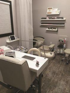 Home Beauty Salon, Home Nail Salon, Nail Salon Design, Nail Salon Decor, Beauty Salon Decor, Salon Interior Design, Small Beauty Salon Ideas, Salon Nails, Beauty Salon Design