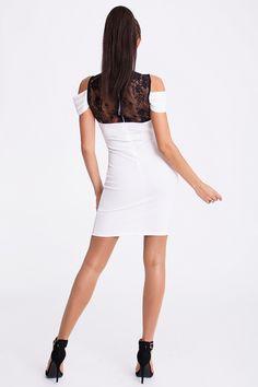 Sukienka ozdobiona koronką #modadamska #moda #sukienkikoktajlowe #sukienkiletnie #sukienka #suknia #sukienkiwieczorowe #sukienkinawesele #allettante.pl