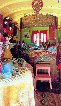 Caravan Gypsy Vardo Wagon: The interior of a wagon. Caravan Decor, Gypsy Caravan, Gypsy Wagon, Gypsy Trailer, Caravan Interiors, Trailer Decor, Teardrop Trailer, Bohemian Gypsy, Gypsy Style