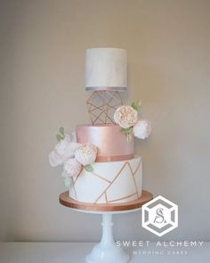 Modern copper and rose gold wedding cake with copper geometric pattern, light ma. - Modern copper and rose gold wedding cake with copper geometric pattern, light marble swirl, rose go - Blush Wedding Cakes, Wedding Cake Roses, Wedding Cakes With Cupcakes, Cool Wedding Cakes, Wedding Cake Designs, Wedding Cake Toppers, Copper Wedding Cake, Modern Wedding Cakes, Wedding Flowers
