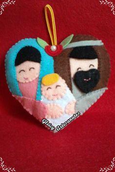 Enfeite coração Sagrada Família em feltro.