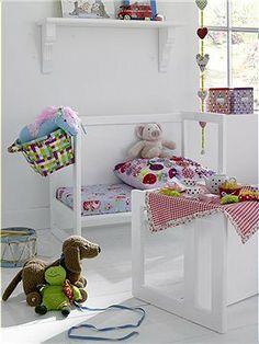 Kinder-Multimöbel Ob Bank oder Tisch, mit diesem Multimöbel können Sie Ihrem Kind beide Funktionen bieten.
