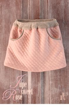 Les Petits derniers - By Lyris - Les Petits derniers – By Lyris jupe sweet rose Coin Couture, Baby Couture, Couture Sewing, Little Girl Outfits, Kids Outfits, Diy Vetement, Creation Couture, Sewing For Kids, Fashion Kids