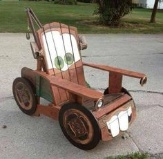 Pallet Mater lawn chair -- Found instructions for this at https://www.facebook.com/media/set/?set=a.629993257019559.1073741827.401468333205387type=3