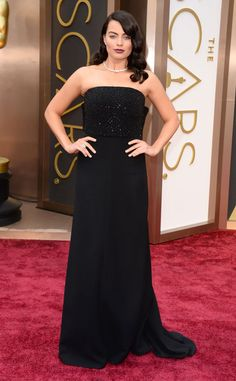 Margot Robbie - dark hair, dark lips, dark dress. #Oscars #Oscars2014