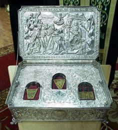 """""""We three kings of orient are..."""" https://churchpop.com/2016/12/14/what-became-of-the-magi-after-visiting-jesus-their-amazing-forgotten-story/"""