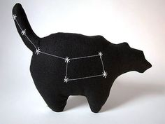 Ursa Minor Constellation Bear via etsy (hand-embroidered stars glow in the… Pillow Crafts, Diy Pillows, Constellations, Felt Pillow, Unique Gifts, Handmade Gifts, Animal Pillows, Animals For Kids, Softies