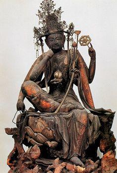 醍醐寺 仏像棟安置の如意輪観音像Statue of Bodhisattvas