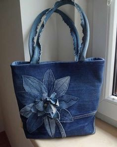 very interesting upcycled denim applique bag v . very interesting upcycled denim applique bag by Alexandria – Denim Tote Bags, Denim Purse, Denim Bags From Jeans, Blue Jean Purses, Diy Sac, Denim Crafts, Recycle Jeans, Patchwork Bags, Fabric Bags