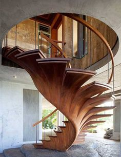Ohhhhhhh! Wow! Awesome woodworking and engineering! This staircase is downright stunning. ♥♥♥