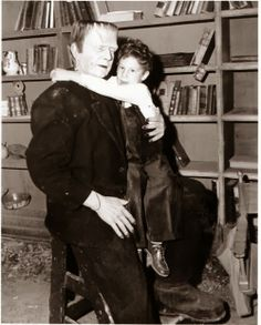 Bela Lugosi Jr. visiting his dad on the set of 'Frankenstein Meets the Wolf Man' (1943) . Via: Classic Movie Monsters