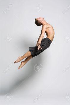 Modern dance dancers