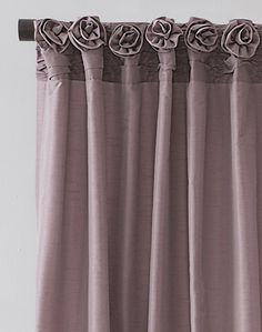Rosette embellished rouched cartridge pleats http://patriciaalberca.blogspot.com.es/