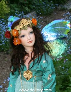 Shayee, 2009 porcelain OOAK fairy by Lorella Falconi, an Italian artist who now resides in Canada