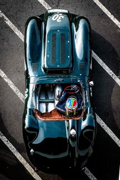 Vintage Cars Classic Can You Recognize Your Favorite Classics From Above? Classic Sports Cars, Best Classic Cars, Pt Cruiser, Super Sport Cars, Vintage Race Car, Retro Cars, Amazing Cars, Courses, Hot Cars