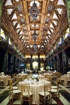 Wedding Themes Fall Gatsby Art Deco Ideas For 2019 Great Gatsby Wedding, Art Deco Wedding, Glamorous Wedding, 1920s Wedding, Dream Wedding, Gatsby Theme, Wedding Shit, Gatsby Style, French Wedding