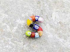 Lettera S  Iniziale in vetro di murano. Ciondolo pendente, colori vari con murrine inserite