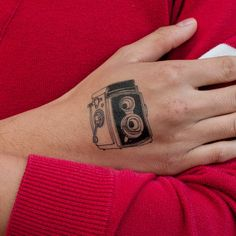 Such a cool temporary tattoo by Julia Rothman, New York.