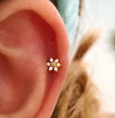 New Ideas For Piercing Tragus Labret Bar Stud Earrings, Crystal Earrings, Daith Earrings, Flat Back Earrings, Gold Earrings, Tiny Earrings, Flower Earrings, Crystal Jewelry, Mini Sunflowers