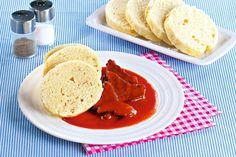 Hovězí pečeně s rajskou omáčkou Pancakes, Beef, Treats, Breakfast, Food, Sweet Like Candy, Morning Coffee, Meal, Crepes