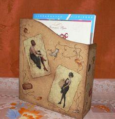 Декупаж журнальницы «Модницы» http://dcpg.ru/mclasses/modnitsy/ Click on photo to see more! Нажмите на фото чтобы увидеть больше! decoupage art craft handmade home decor DIY do it yourself tutorial acrylic paints matte varnish
