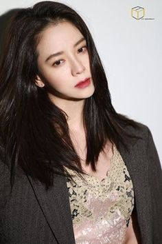 Song Ji Hyo by Cube int.