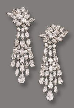 PAIR OF DIAMOND PENDANT-EARCLIPS