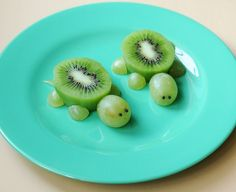 5 really cute creative food plates including these kiwi and grape turtles.