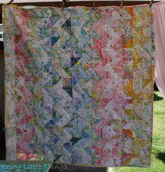 Rosey Little Things: Blogger's Quilt Festival-Scarlette's Zig Zag Quilt