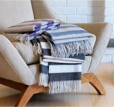 Cold Weather Helpers: Picking the Perfect Throw Blanket