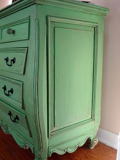 Before Meets After: green dresser buy old secretary, paint & glaze it! Diy Furniture Projects, Chalk Paint Furniture, Upcycled Furniture, Home Furniture, Diy Projects, Furniture Refinishing, Chalk Paint Finishes, Annie Sloan Chalk Paint, Green Dresser