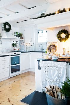 Join Jessica and Henry Jowilin for a traditional Swedish Christmas at their pretty timber cottage