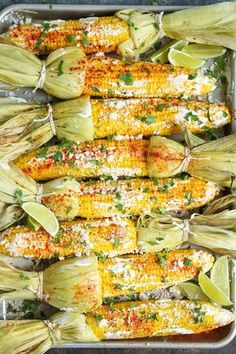 Mexican Street Corn This roasted Mexican street corn is the perfect side to dinner on a summer night.This roasted Mexican street corn is the perfect side to dinner on a summer night. Mexican Street Corn Salad, Mexican Street Food, Roasted Corn, Mexican Corn Dip, Mexican Dishes, Mexican Food Recipes, Recipes Dinner, Corn Salad Recipes, Gastronomia