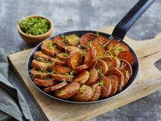Råstekte poteter Ratatouille, Grilling, Ethnic Recipes, Food, Crickets, Essen, Meals, Yemek, Eten