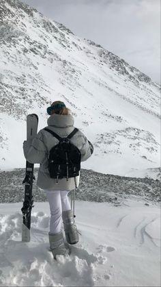 Mode Au Ski, Winter Christmas, Fall Winter, Cosy Winter, Jugend Mode Outfits, Look Dark, Ski Season, Snow Bunnies, Foto Pose