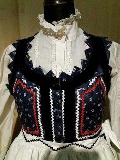 Mezőségi viselet, Erdély Embroidery Techniques, Embroidery Stitches, Embroidery Patterns, Floral Embroidery, Hand Embroidery, Folk Clothing, Hungarian Embroidery, Folk Dance, Folk Costume
