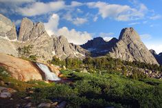 So, you want to know what are the best hikes in North America?North America offers some of the very best hiking in the world. Perhaps this is due to the many national parks and protected areas that are spread acrossMexico, the USA and Canada. This region offers something for every ...