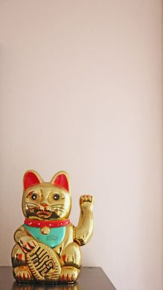 Wealth prosperity Gold Left paw for customers welcomes people Maneki Neko, Neko Cat, Lucky China, Statues, Gatos Cat, Cat Statue, Cat Wallpaper, Chinese Culture, Inspirational Gifts